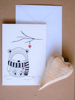 ČB pohľadnica Zimný medvedík